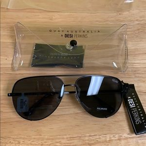 NWT Quay x Desi Perkins high key polarized